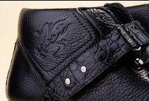 Alligator Leather Anchor Boots 14838 Black - Stivaletti Alligatore 14838 Nero  / Men's lace-up ankle boots connected detailed in noble Alligator skin. The privileges of Pakerson luxury shoes  and the comfort of buying from the online shoe shop. -  Stivaletti uomo allacciati con finiture in nobile pelle di Alligatore. I privilegi delle scarpe di lusso Pakerson e la comodità di comprare nel negozio online.