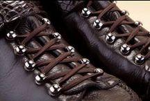 Alligator - Deerskin Ankle Boots 14838 Brown - Scarponcini Alligatore - Cervo 14838 Testa di Moro / Men's lace-up shoes with details in Alligator luxury leather. The excellence of Pakerson crocodile leather footwear is now available at the official online shoe shop. - Scarponcini uomo allacciati con profili in pregiato Alligatore. La distinzione delle scarpe di coccodrillo Pakerson ora è disponibile nel punto vendita online.