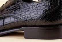 Alligator Skin Shoes 15688 Black Leather Sole -Scarpe Alligatore 15688 Nero Suola Cuoio  / Handmade Alligator skin footwear for men: unmistakable prestige, fine footwear. Buy luxury shoes, wear Hand Made in Italy excellence in genuine crocodile leather. - Scarpe in vero coccodrillo fatte a mano: un classico dal prestigio inconfondibile. Scopri le scarpe di lusso in autentico Alligatore, indossa l'Hand Made in Italy.