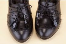 Lace-up Pumps 22386 Black - Décolleté Stringate 22386 Nero / Black napa laced pumps  finished with elegant patent-leather detailing. Browse Pakerson official online shop, discover the best in women's Italian footwear. - Scarpe décolleté stringate  in nappa nera con dettagli in vernice. Naviga il negozio online ufficiale Pakerson, scopri il meglio delle scarpe donna Made in Italy.