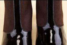 Ankle Boots 24403 Black - Dark Brown - Tronchetti 24403 Nero - Testa di Moro / Women's half-boots in black patent leather and dark brown suede. Shop the latest collection of Pakerson handmade shoes at the online shop. Free delivery in Europe. - Tronchetti donna, realizzati in vernice e camoscio. Compra le scarpe Pakerson artigianali della nuova collezione nello store online. Consegna gratis in Italia.
