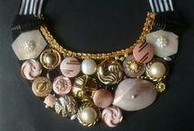 Maxicollar Botones / #maxicollar,  #vintage, #buttons, #necklaces, #accesorios,  #collares, #cinta, #fieltro, #textil, #babero,
