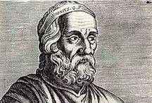 Ausone / Représentant de la culture classique du IVème siècle, païen au nom chrétien, Ausonius - comme son nom et sa langue - serait gaulois. Né en 310, Decimus Magnus Ausonius serait issu d'une vieille famille de notables du Sud Ouest (il serait né comme son père à Bazas) et possédait villas et vignobles autour de Bordeaux où il finira sa vie vers 395. Ses écrits témoignent de l'attachement à ses racines familiales et géographiques toujours empreints de ferveur et d'attendrissement.
