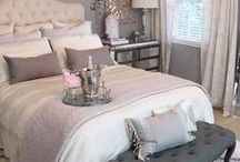 Master Bedroom Retreats / As a single mom it is very important to have moments of peace and quiet to practice self-care and restore your mind, so having a nice personal sanctuary in your home, to have that time is great. These are beautiful master bedroom retreats for moms to spend some time alone and unwind after a long day.