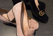Shoes: High Heels and more / The latest Shoe trends: Gucci Marmont, Givenchy, Christian Louboutin, Chanel, Sneaker, mid-heel, high-heel, boot, over-knee boots.