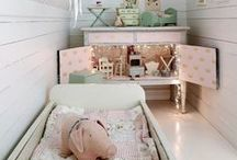 Small Bedroom / by Mirjam Otten