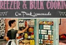 Freezer / Bulk Cooking Recipes / Wanna cook a ton of food - and then freeze it??  Here's where you'll get some great ideas!