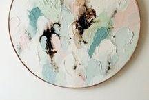 24   L'art et la manière. / #colors #art #peinture #sculpture #exposition #miseenscene #contemporain #moderne #céramique #création #assemblage #insitu #scénographie #workinprogress #bleu #vert #rouge #jaune #orange #violet #aplats #couleurs #mobile #prolifération #profusion #rhizomes #abstract #abstracart #beautiful