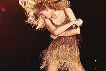 Taylor Swift / Dont you worry your pretty little mind, people throw rocks at things that shine.
