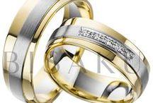 BISAKU DIAMOND / Kolekce DIAMOND vás zaujme nejen neotřelou kombinací stylů, ale i asymetrickým zakomponováním. V originálních modelech se třpytí certifikované brilianty, které svou přítomností vdechují život těmto mimořádným šperkům. Tyto výjimečné prsteny čekají jen na vás.