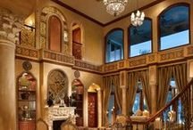 Grand Palace / This splendid home in Bay Colony, Fort Lauderdale won top design awards for Perla Lichi.