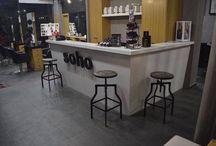 Soho by k&k / Το Soho είναι η πρόταση στο Περιστέρι, που έρχεται να καλύψει το κενό των hair saloon στην περιοχή, τόσο με την εξυπηρέτηση  του όσο και με τις χαμηλές τιμές σε σύγκριση με την υψηλή κομμωτικη που παρέχει.Με τον Κωνσταντινο, την Κατερινα και το  team του soho που υπόσχονται να σας παρασύρουν σε ένα ταξίδι μοδας,σχημάτων ,χρωμάτων,με τα καλύτερα hair trends!!