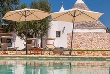Villas in Puglia/Apulia / A rich selection of amazing self catering, vacation rental, holiday letting properties in Puglia/Apulia. Villas, Trulli, Massierie / Farm House, with pool, seafront charming apartments and more. From our property portfolio. Visit www.helloapulia.com/en