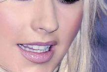 Christina Aguilera / Christina María Aguilera ; December 18,1980 Staten Island, New York, U.S. -- Singer ; songwriter ; actress ; television personality ; television producer -- Websitechristinaaguilera.com -- Social Network: https://www.facebook.com/christinaaguilera -- https://twitter.com/XTINA -- https://www.instagram.com/xtina/ -- https://www.youtube.com/user/CAguileraVEVO/