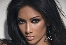 Nicole Scherzinger / Nicole Prescovia Elikolani Valiente  June 29, 1978 Honolulu, Hawaii, U.S.; Singer,actress,television personality; Social Network: https://www.facebook.com/nicolescherzinger/; https://twitter.com/nicolescherzy; https://www.instagram.com/nicolescherzy/; https://www.youtube.com/user/nicoleofficial/featured;