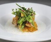 Culinary Highlights I Hyatt Dusseldorf / Enjoy delicious regional food and drinks at Dox Restaurant & Bar.