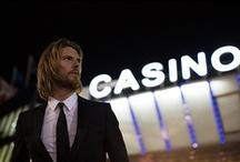 Casino / Entdecken Sie mit uns die Welt des Casinos. Wir zeigen Ihnen die passende Mode für Ihren nächsten Casino-Besuch.