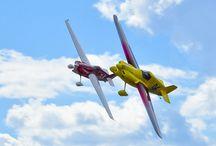 Race planes