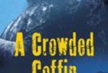 A Crowded Coffin / Contemporary English Village Cozy Mystery