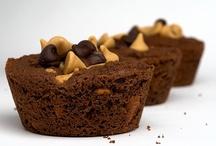 Peanut Butter & Chocolate Desserts / Fantastic recipes featuring everyone's favorite flavor combination - peanut butter and chocolate!