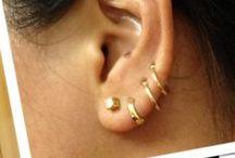Accesories: Earrings