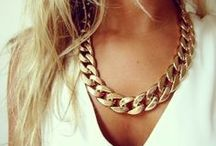Accesories: Necklaces