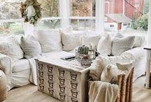 Farmhouse Style / Farmhouse home design is trending. Let's find the best farmhouse decor ideas!