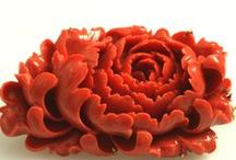 Coral Beauty / Items incorporating coral: jewelry, carvings