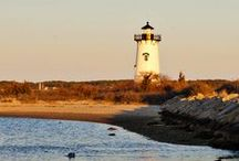 Edgartown / The epitome of the Martha's Vineyard experience.  Named after the iconic town - the crisp freshness of Edgartown's grapefruit scent evokes white picket fences and billowing sails in a bright sparkling harbor.