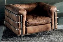 Meubilair / Van stoelen tot banken en van sofa's tot designer krukken. Alles op het gebied van het allerbeste meubilair verkrijgbaar!