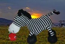Ziggy de Zebra / Ziggy de Zebra: zelfgebreide duizelige zebra, omdat hij hij niet kan stoppen met het tellen van zijn strepen