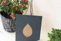 DIY Deko aus Naturmaterialien / gebastelte Dekoration aus Naturmaterialien, selbst gemachte Deko aus Blättern, Tannenzapfen, Eicheln, Ästen,