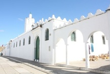Language School Morocco / At our language school in the north of Morocco we teach French, Arabic, Spanish & English. Located at the nice coastal town Asilah, just 40 km south of Tanger. Pittoresk, with a beautiful old Medina, incredible sea views, mix of modernity and past. Join one of the courses, and participate to the many cultural &fun activities, organised by the school. Including visits to cities like Rabat (capital), Casablanca (economical capital) Meknes & Fes (cultural capitals and Imperial cities of the past).