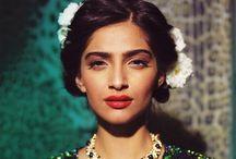 { feeling frida } / / frida inspired/ fashion/flowers in her hair/art frida Kahlo