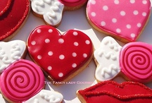 Pink/Heart/Sparkle Frosted Cookies / by Michelle