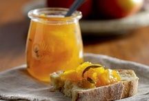 Food Junkie: Preserving the Goodness / Preserving, Canning, Drying, Curing and Freezing