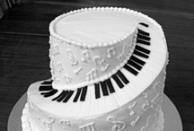 Food Junkie: Couture Cakes / Beautiful and creative. Amazing construction.