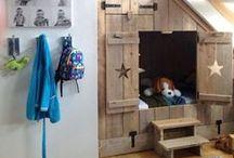 mID - (tijd.) bedstede BRUN / nieuw bed / meubel voor BRUN wanneer hij ouder is :)