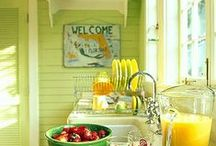 Country/shabby chic / by Verna Brock
