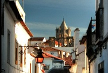 TOUR ÉVORA / Évora UNESCO W.H.S. city center. Roman Temple. Évora Cathedral. Bone Chapel. Arroiolos. Alentejo Cuisine. Tapestries, Commenda Grande Wine Estate and cork makers.