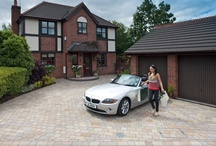 Fairstone Driveways / Marshalls Fairstone driveway setts bring out the natural beauty of real stone and blend well with most paving designs to create harmonious garden and driveway solutions