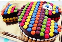 Fun and birthday cakes  / by Minouchka Passion culinaire