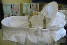 Baby Moses Basket / Moses baskets are type of portable crib. Simple, stylish, and practical, they make it easy to always have somewhere secure and cozy to lie your baby down.