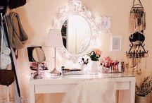 Vanity, Makeup Storage & Classy Mirrors!