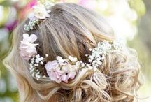 Bridal hair - half up half down / Wedding hair & flower inspiration