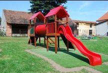 Věže universal / Jednověže a dvojvěže pro školky. Rozměry: výška 3 m, šířka 4 x 10 m. Zařízení je určeno pro děti od 3 do 12 let. Zařízení je certifikováno dle ČSN EN 1176-1 : 2000
