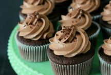 Cool cupcakes and muffins / Cool cupcake decorating ideas and recipes.