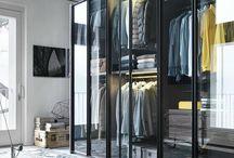 Walk in/dressing table/closet