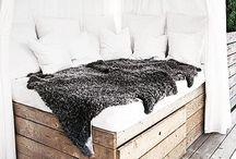 DIY outdoor furniture and deco