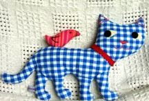 HANDMADE CATS LOVE ✿*✿ / by Marilene F.Lourenço